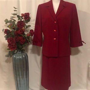 Le Suit red suit size 14